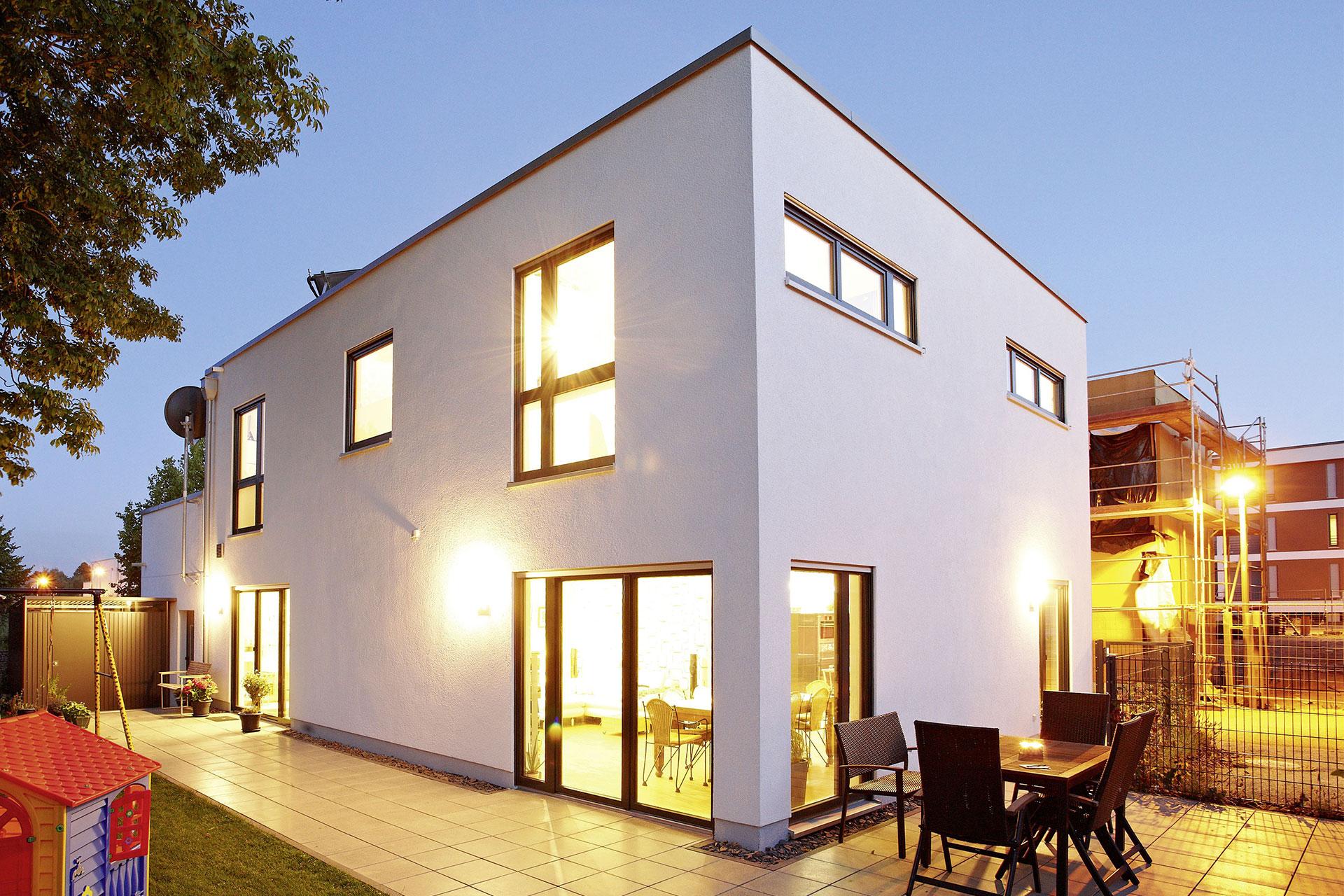 fertighaus flachdach modell prati ein fertighaus von gussek haus. Black Bedroom Furniture Sets. Home Design Ideas