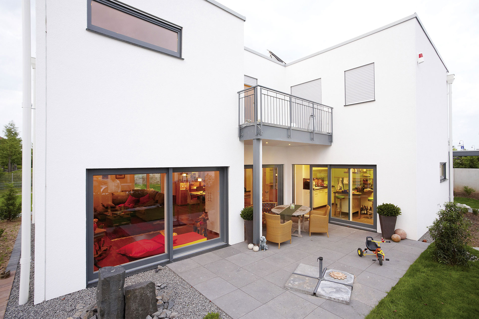 Fertighaus flachdach modell trevi ein fertighaus von for Fertighaus flachdach