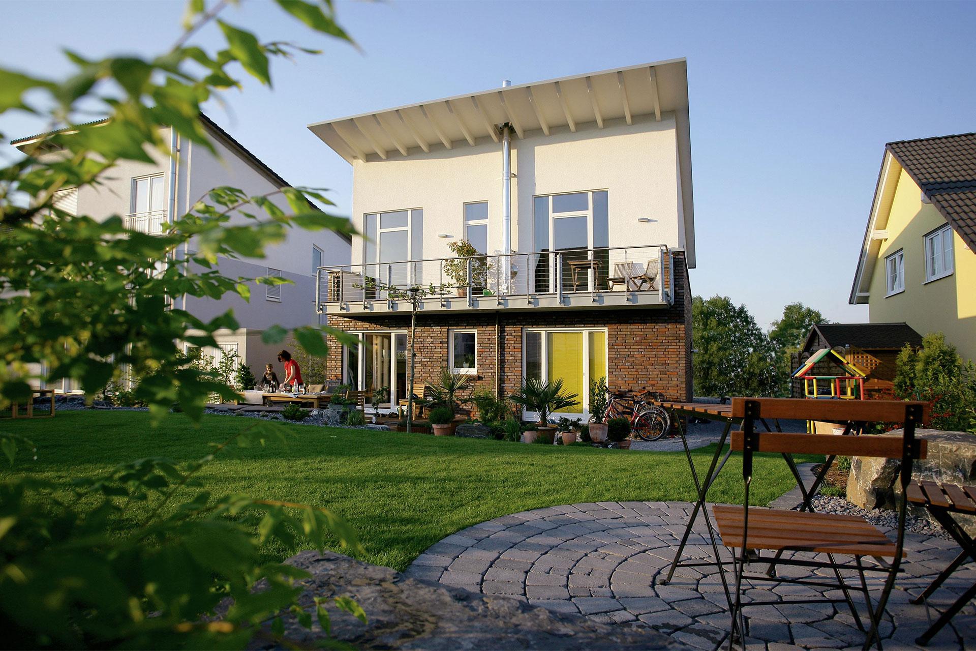 fertighaus mit pultdach und individueller wohnraumaufteilungma geschneidertes pultdach. Black Bedroom Furniture Sets. Home Design Ideas