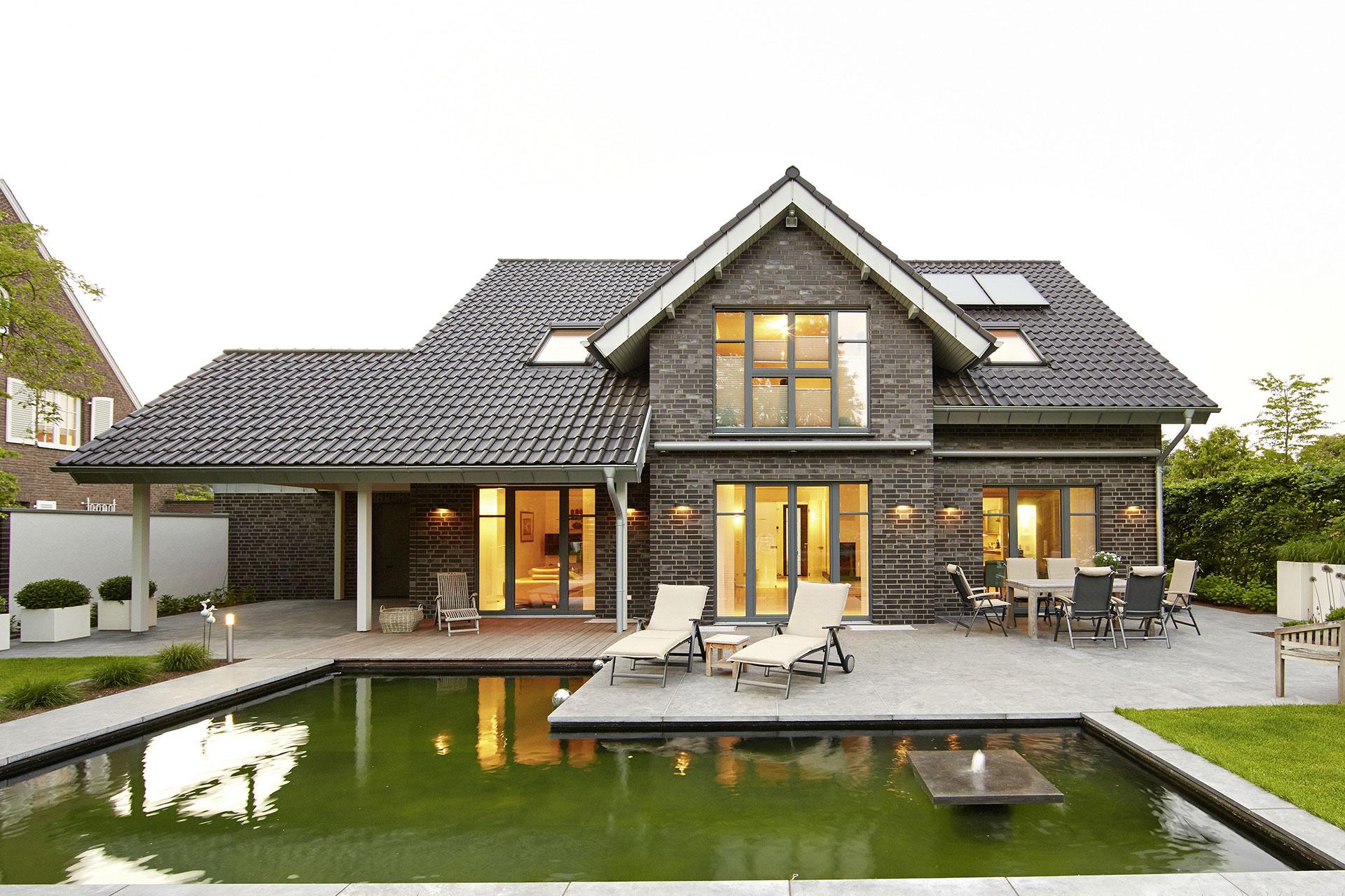 individuell und energieeffizient einfamilienhaus vahrenheide ein fertighaus von gussek haus. Black Bedroom Furniture Sets. Home Design Ideas