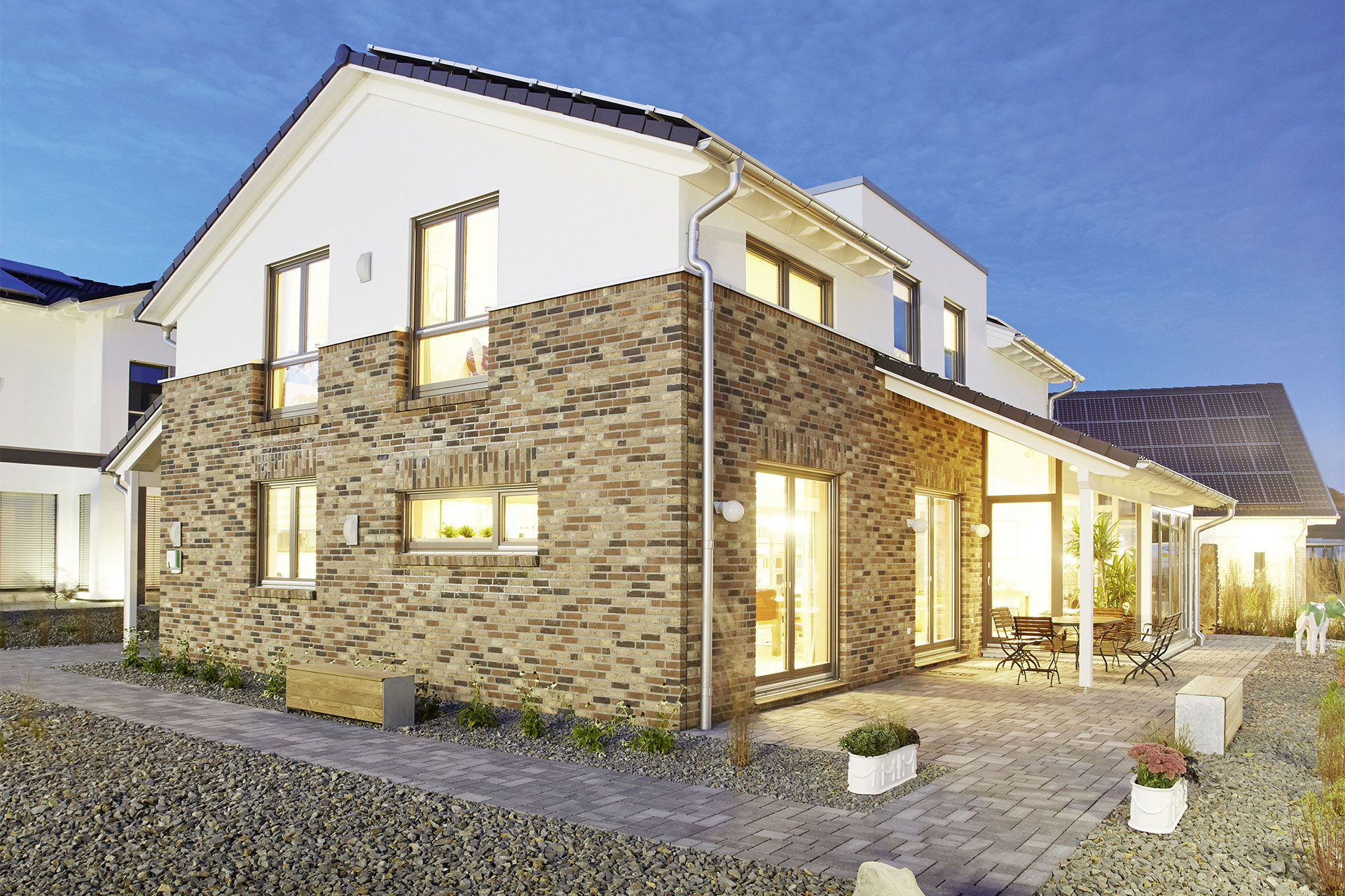Musterhaus isabella wuppertal ein fertighaus von for Fertighaus satteldach modern