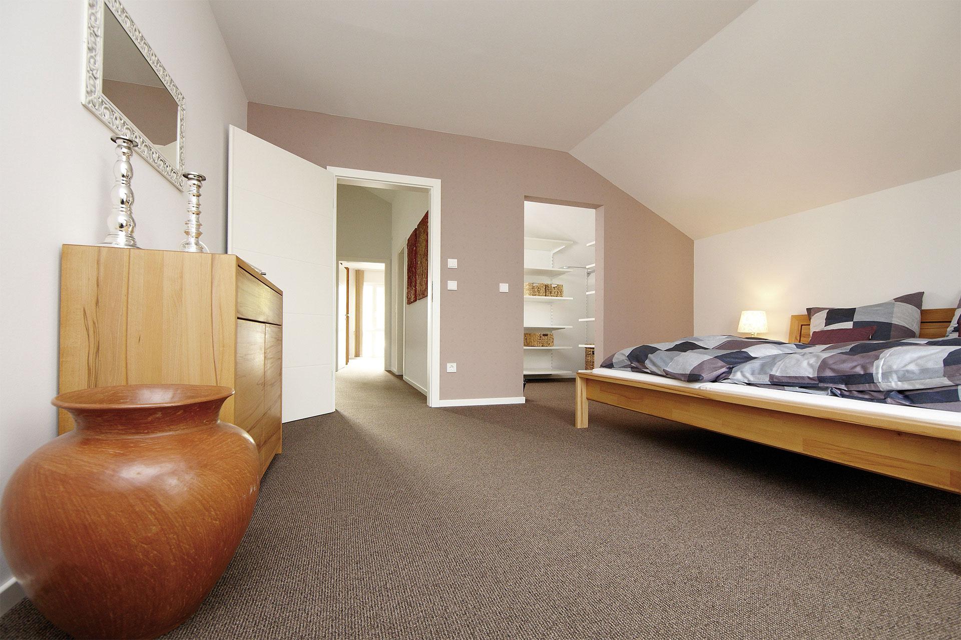 Schlafzimmer Mit Ankleidezimmer Modell   Rockydurhamcom